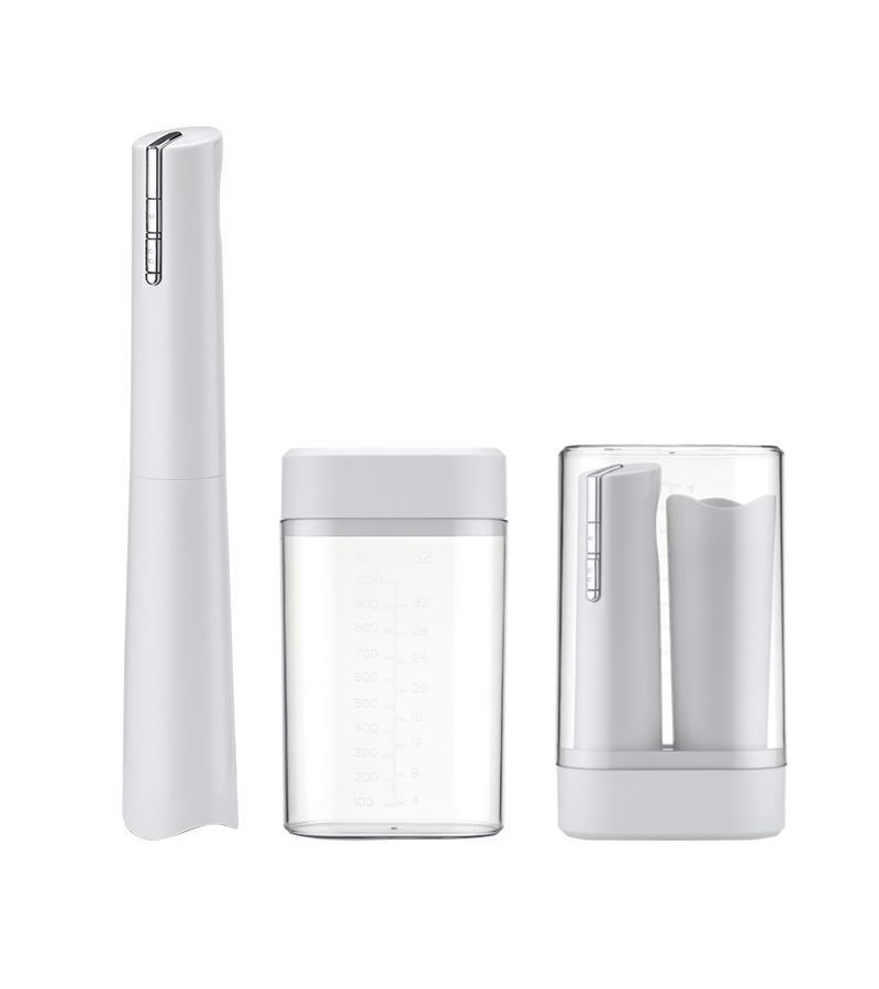 Good Reputation Two Speed Hand Blender With Storage Cup