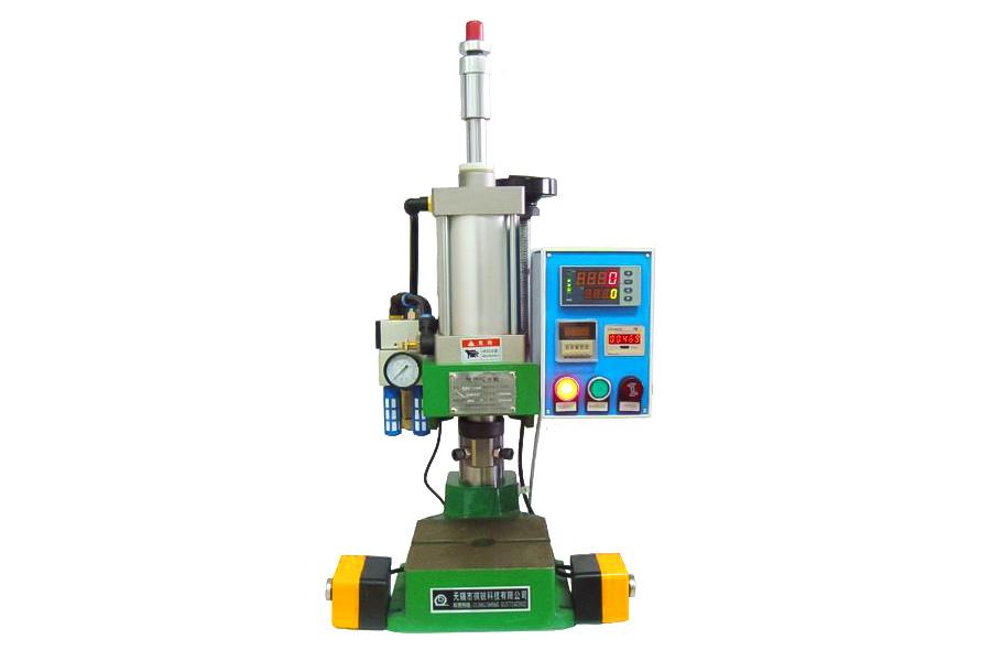 Oil pressure equipment